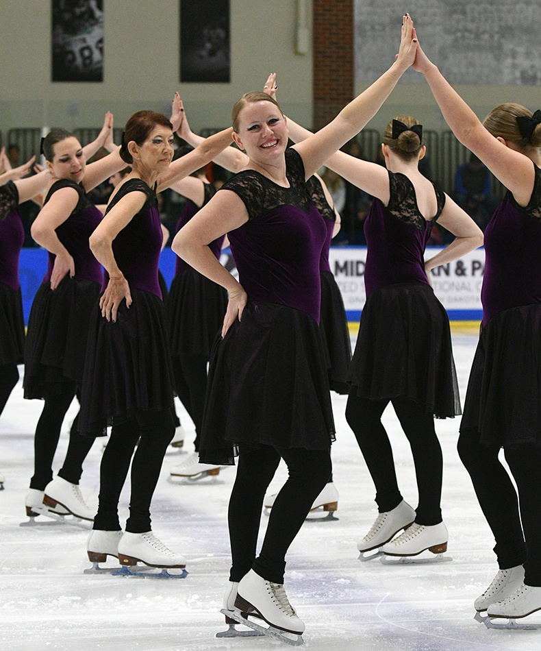 Rhythm and Blades-Open Adult-Free Skate at Mids 2017.jpg