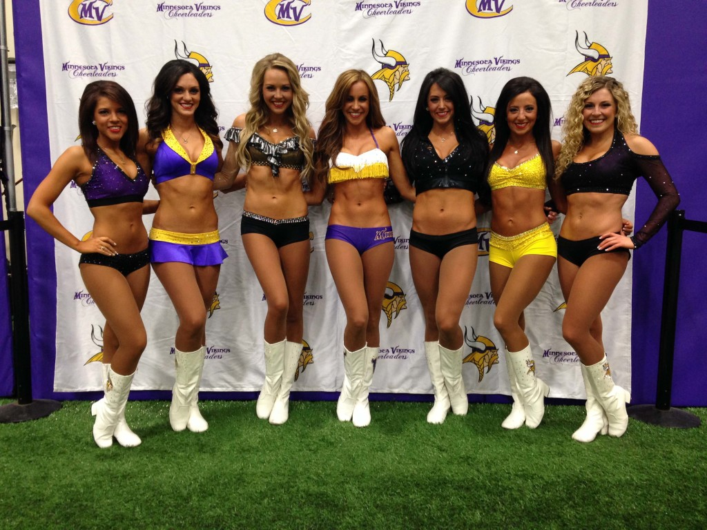 minnesota vikings cheerleaders auditions, 2014, custom tryout outfits, The Line Up