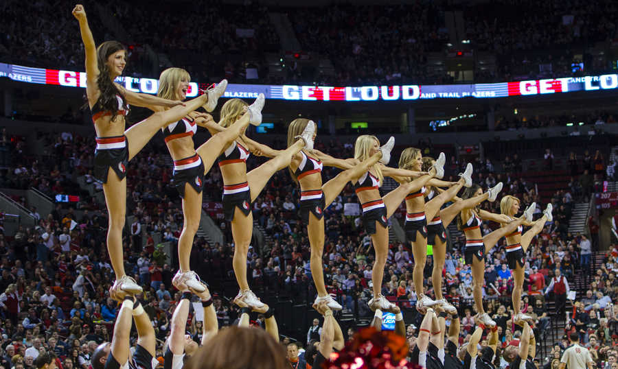 Portland Trailblazers Stunt Team, Uniforms, The Line Up, black white and red uniform