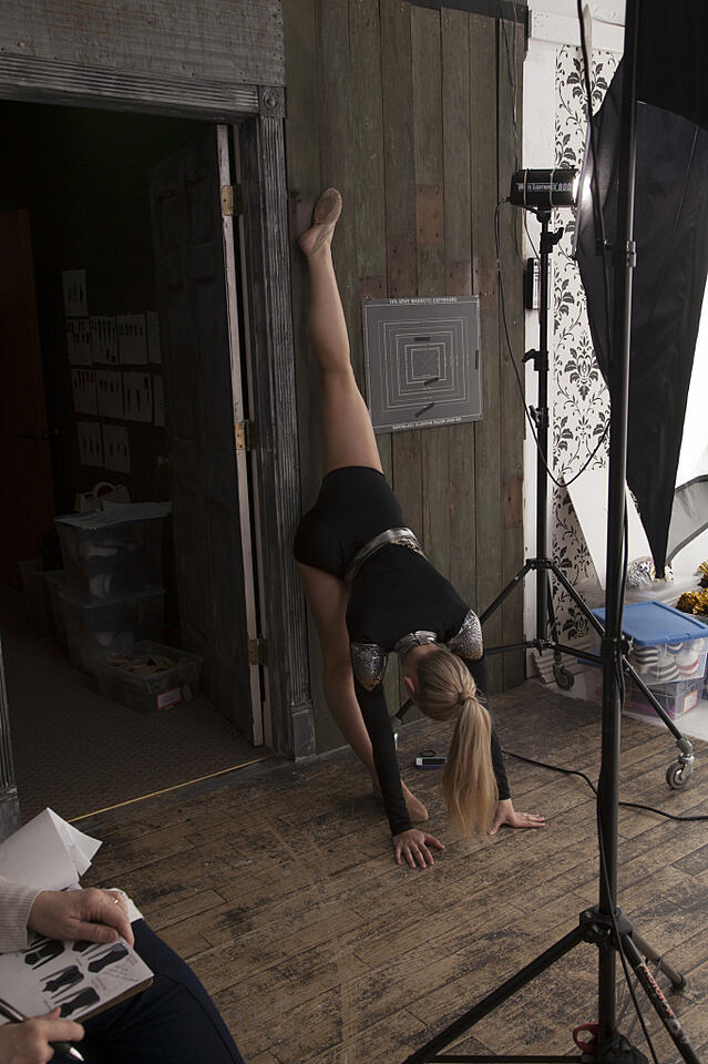 stretching, The Line Up, Behind the scenes, photshoot