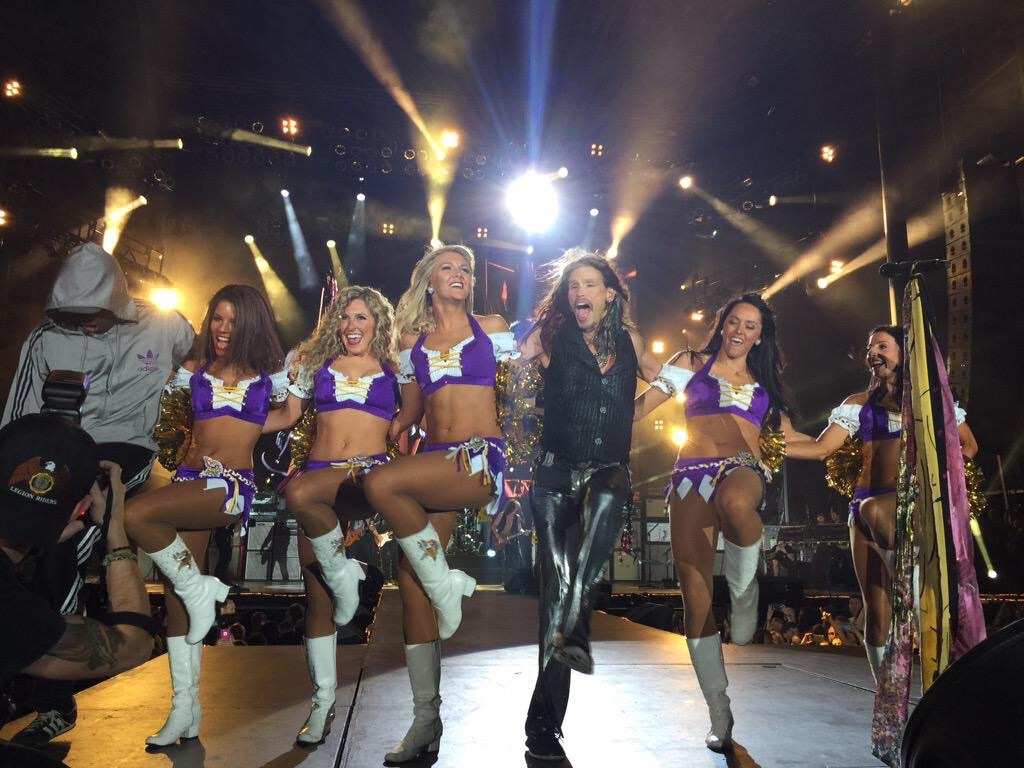 Minnesota Vikings Cheerleaders, NFL Hall of Fame Game with Aerosmith, in The Line Up Uniforms