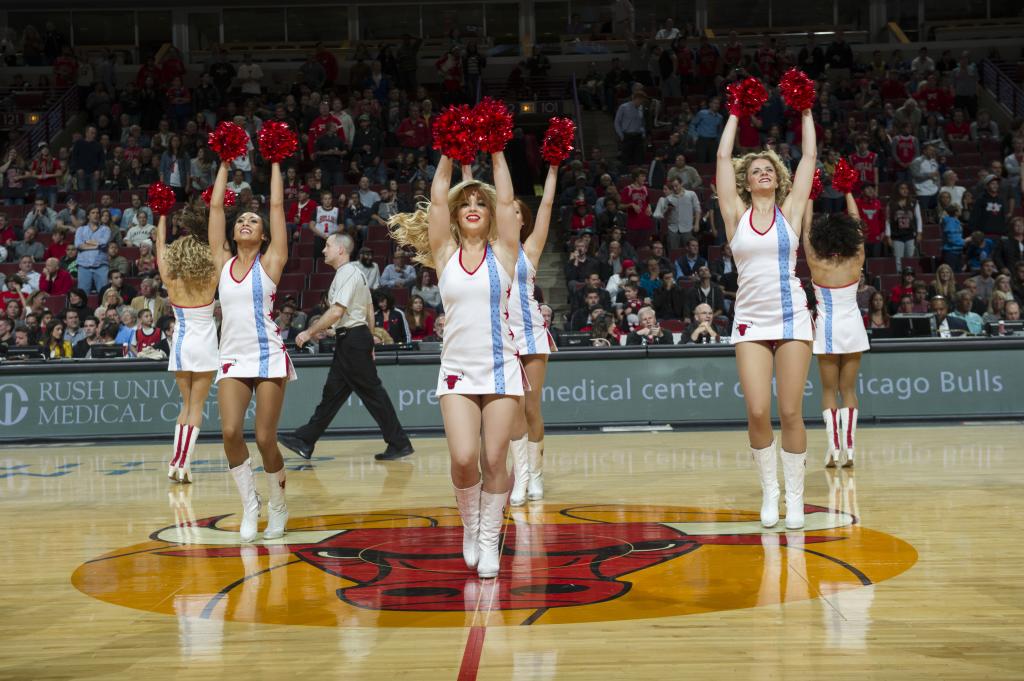 Flag Dress Bulls 2015, The Line Up, Luvabulls