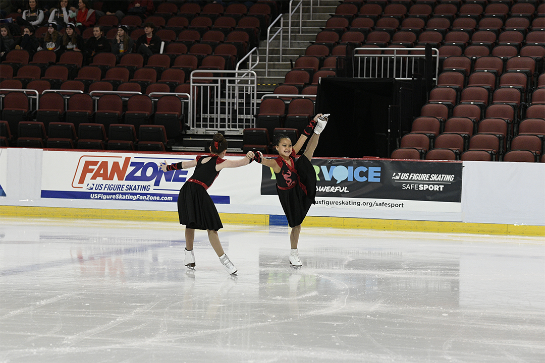 Cleveland Ice Storm Synchronized Skating Team