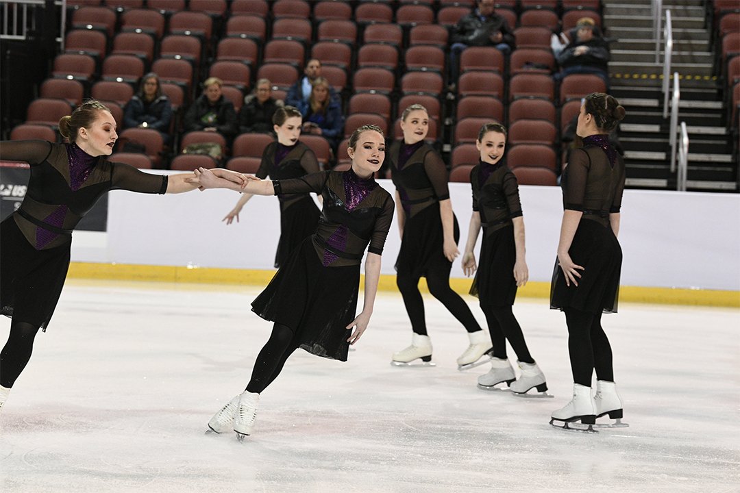 Griffon Gliders Gold Open Juvenile Synchronized Skating Team