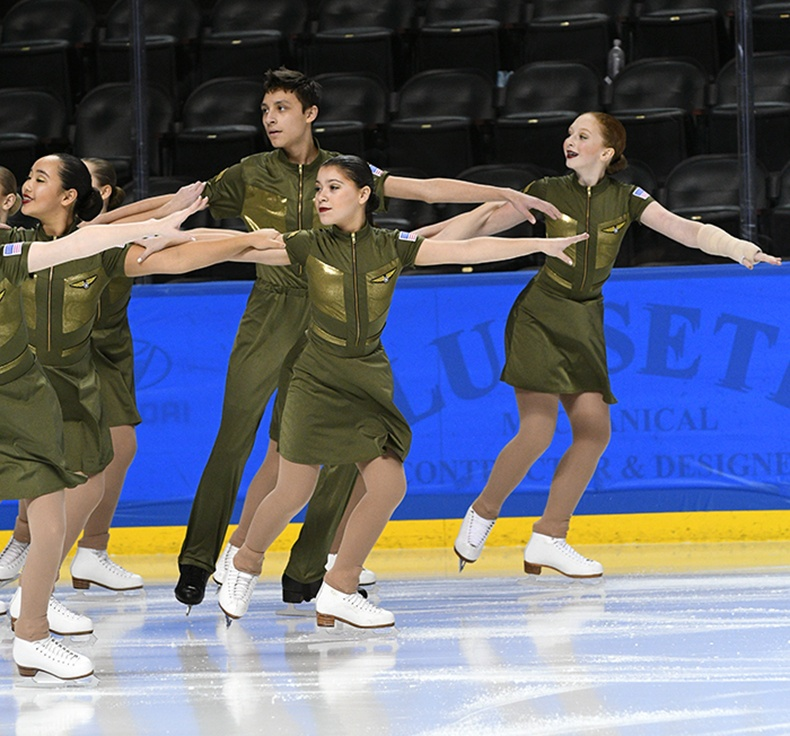 Hockettes-Juv-Free Skate at Mids 2017.jpg