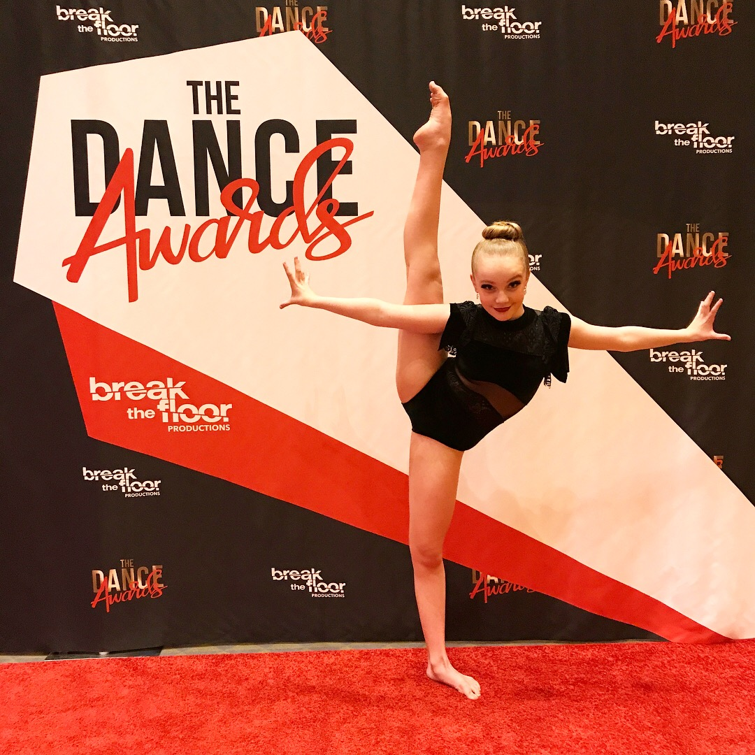 Line Up VIP Kate Happe at the Dance Awards