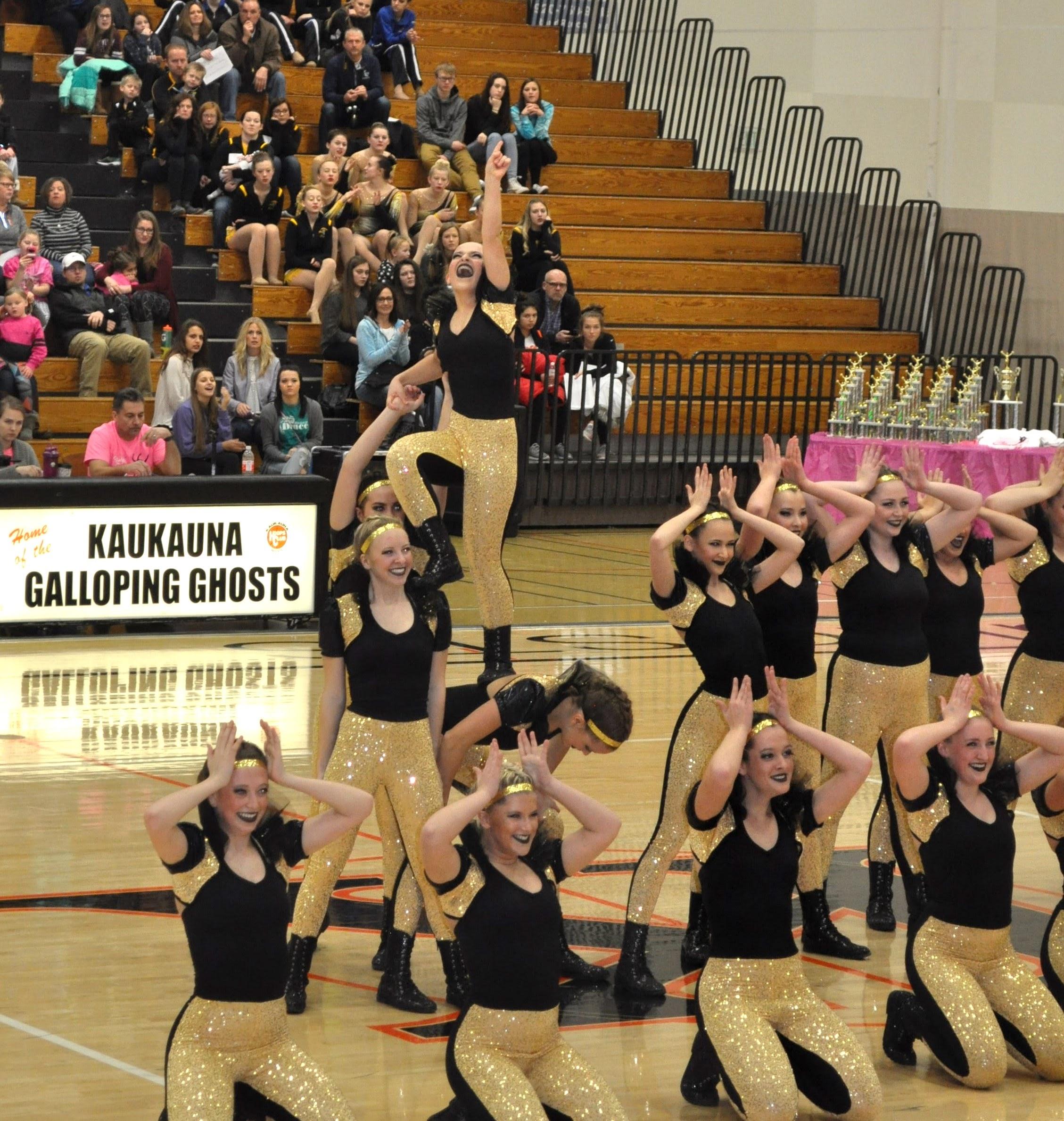Middleton High School Dance Team Hip Hop Dance