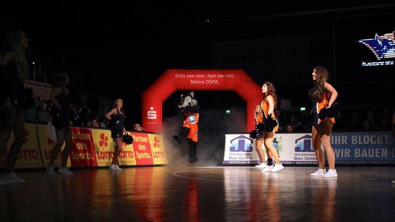 Rostock Seawolves Basketball Dance team and mascot