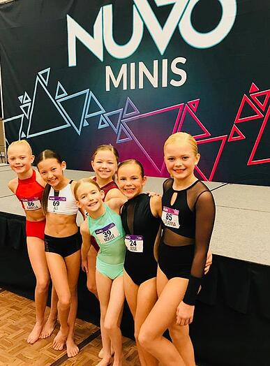Line Up VIP Ali Ogle at NUVO Minis level