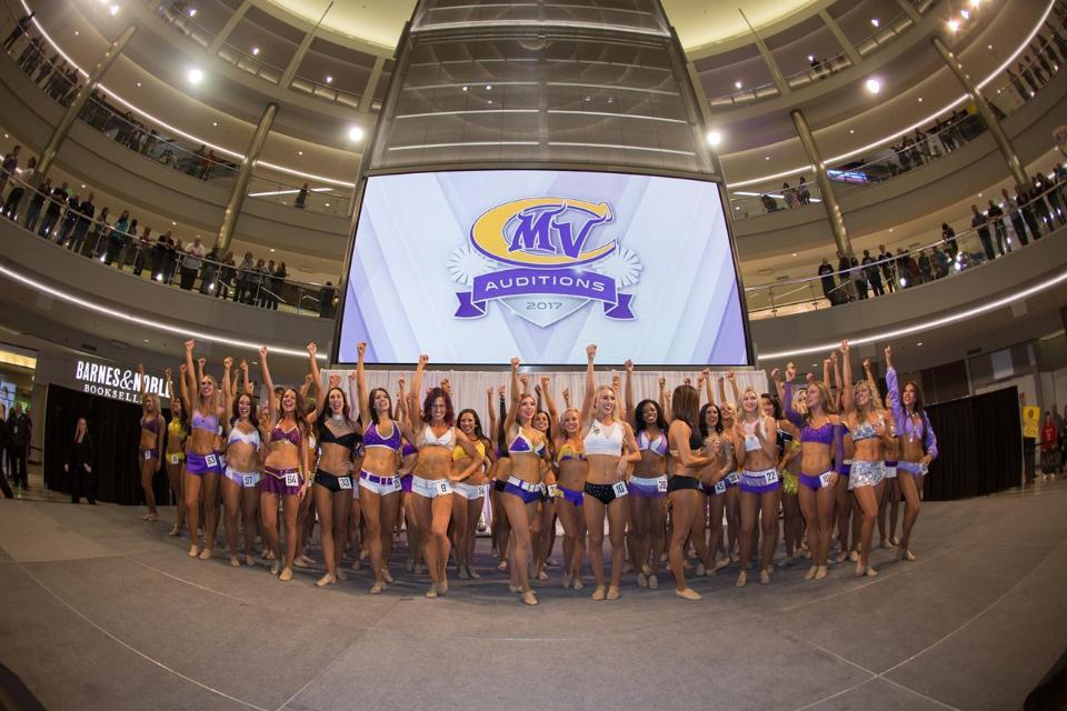 Minnesota Vikings Cheerleaders tryout apparel