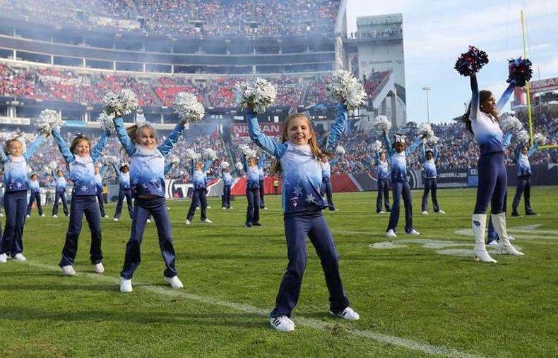 titans cheerleaders junior cheer
