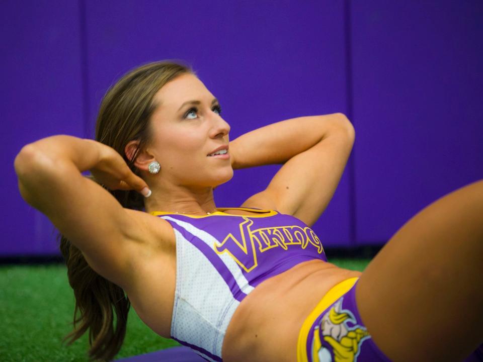 minnesota vikings cheerleaders work out uniforms