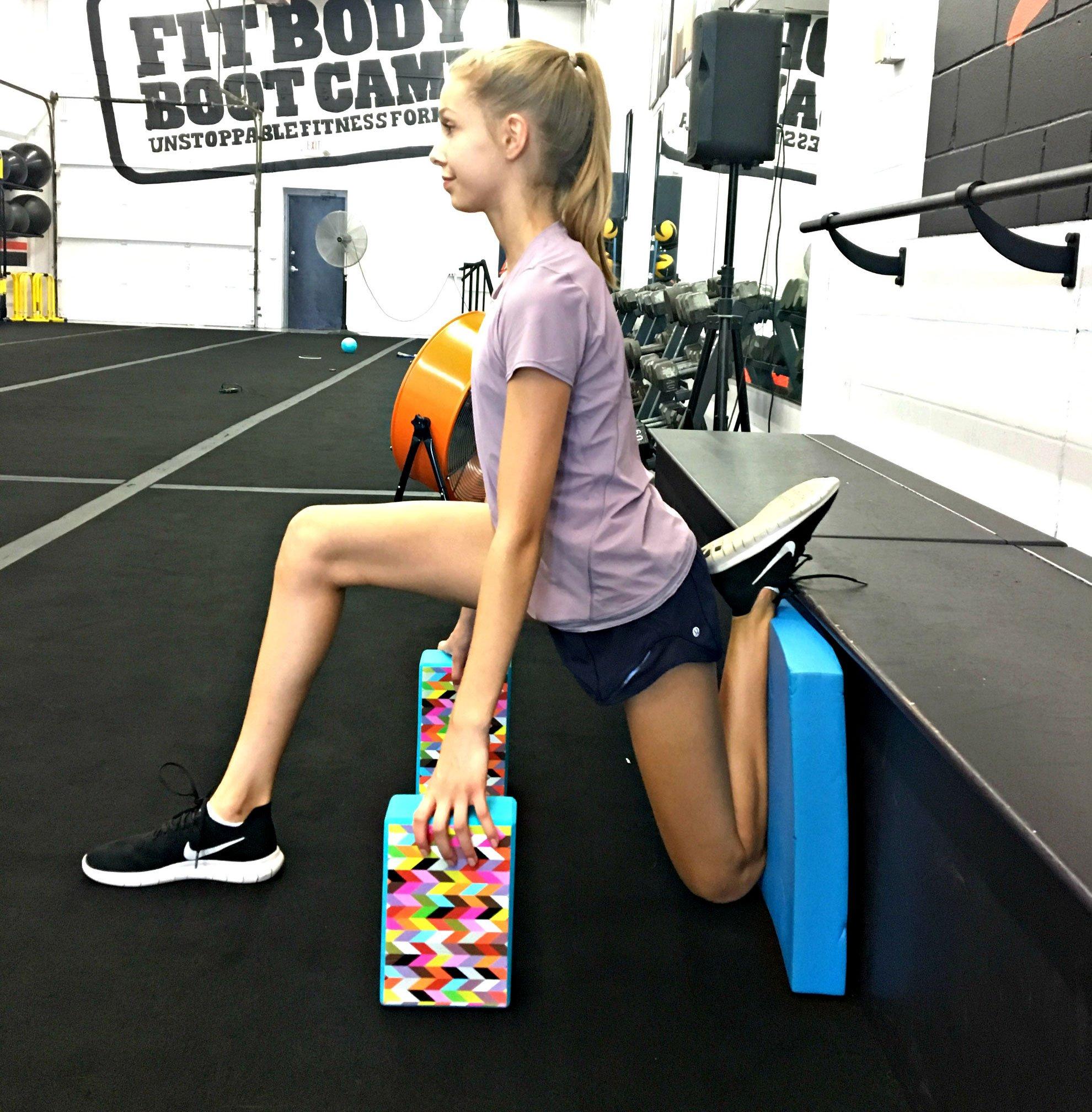 Assisted hip flexor stretch for Dancer hip flexibility