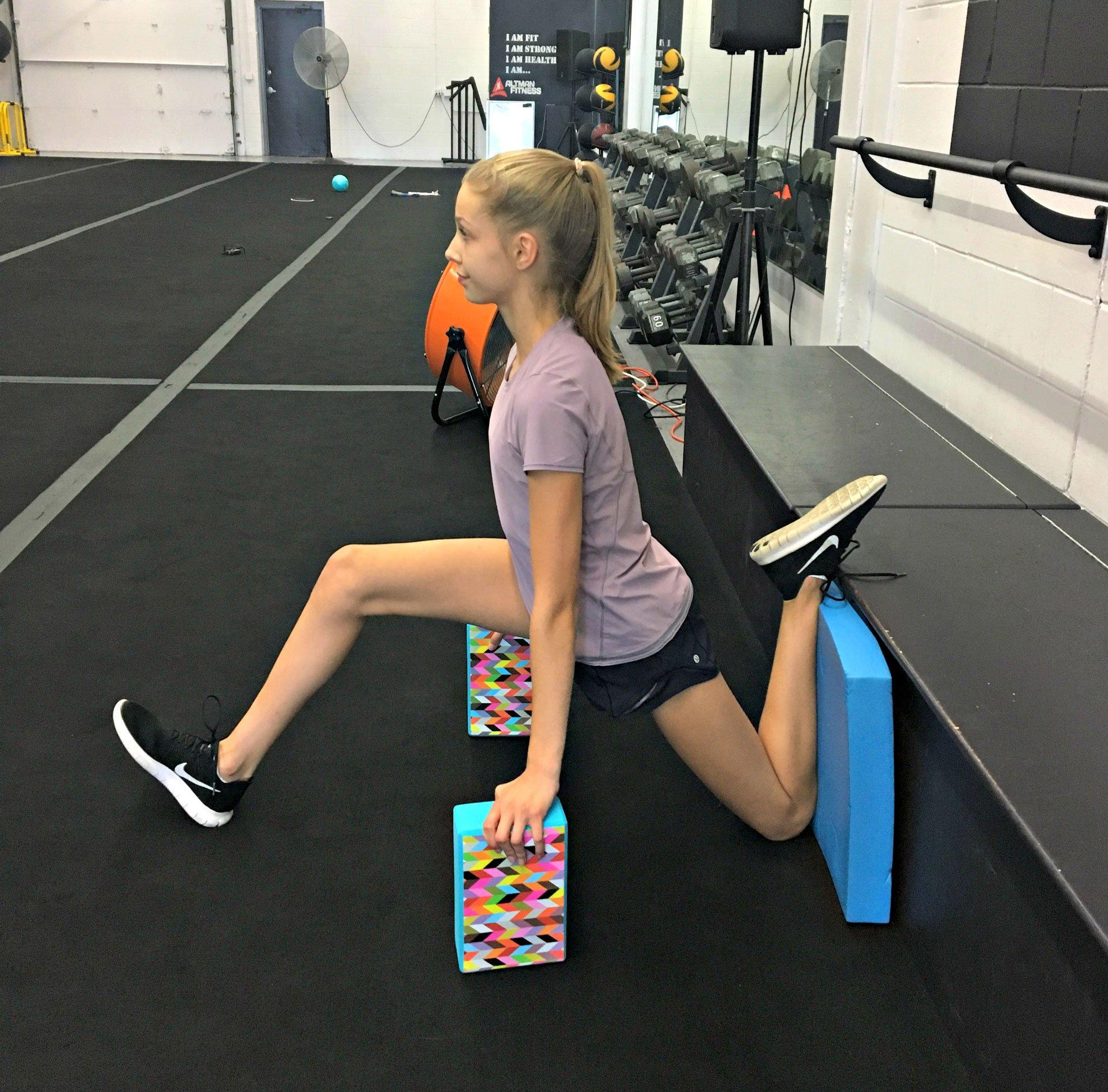 Assisted splits for Dancer hip flexibility